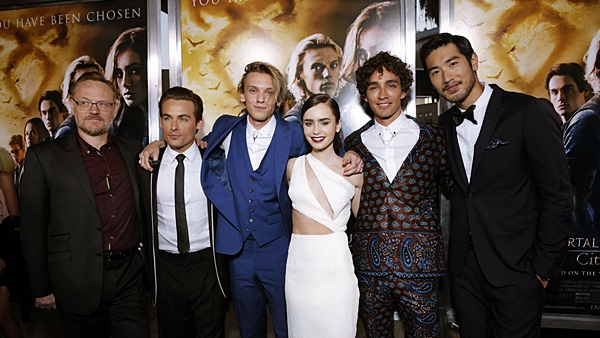Jared Harris, Kevin Zegers, Jamie Campbell Bower, Lily Collins, Robert Sheehan, Godfrey Gao